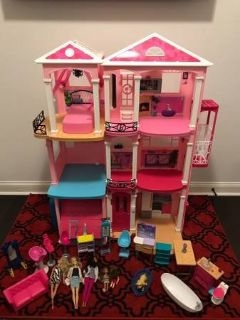 Barbie Dream house and acessories