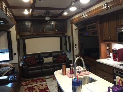 2017 Heartland Bighorn 3760 EL