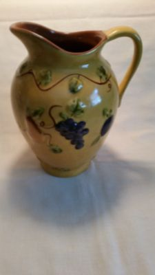 Excellent condition Tuscan grapevine pattern Extra large ceramic beverage pitcher! Just lovely!