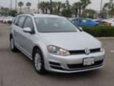 2016 Volkswagen Golf S
