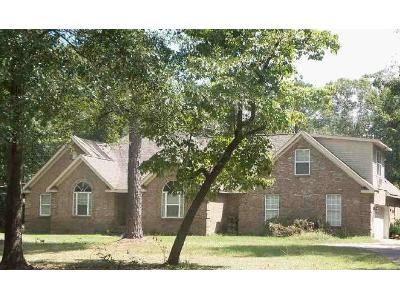 4 Bed 2.5 Bath Foreclosure Property in Lizella, GA 31052 - Knoxville Rd