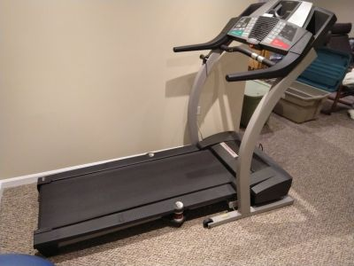 Treadmill - Proform 720