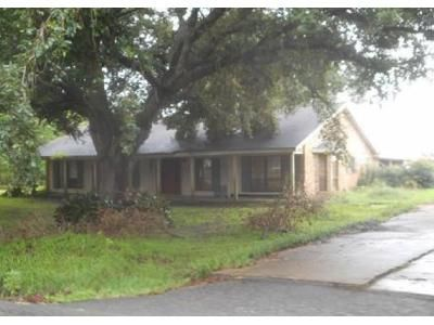 3 Bed 2.5 Bath Foreclosure Property in Lockport, LA 70374 - Romy Dr