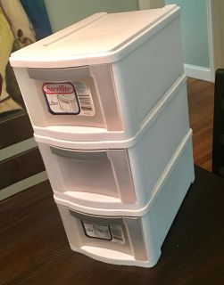 3 Sterilite stackable drawers *VGUC*