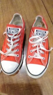 Converse girls size 3, more pinkish color