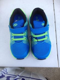 NEW Athletic Sneakers Size 11 $7.50