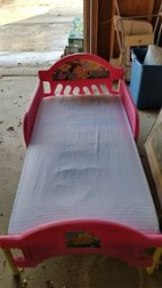 dora toddler bed with mattress, cross posted, North Riverside