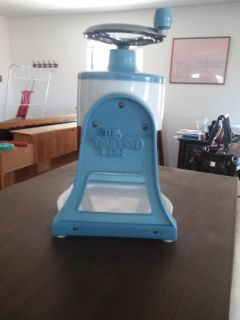 Pampered chef sno cone maker