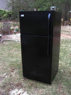 Refrigerator Large Black-Excellent-90 Day guarantee