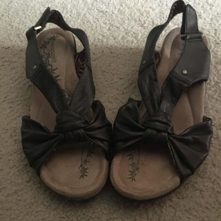 EASY SPIRIT like new LEATHER brown sandals sz. 7