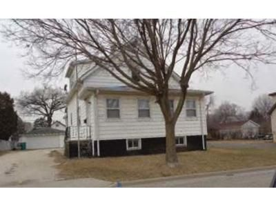 3 Bed 1 Bath Foreclosure Property in Joliet, IL 60435 - Nicholson St