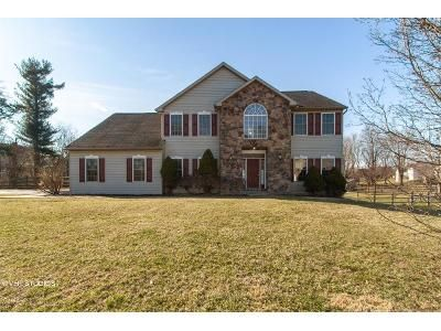 4 Bed 2.5 Bath Foreclosure Property in Douglassville, PA 19518 - Serenity Dr