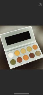 Jaclyn Hill Armed and Gorgeous Eyeshadow Pallet