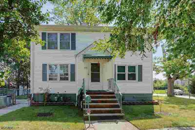 600 Bamford Ave Woodbridge Township Five BR, Priced to sell!