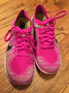 Nike free flynit size 8