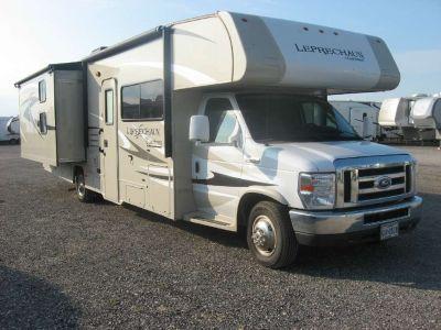 2015 Coachmen Leprechaun 320BH (Ford)