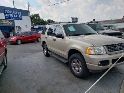 2005 Ford Explorer XLT (Beige)
