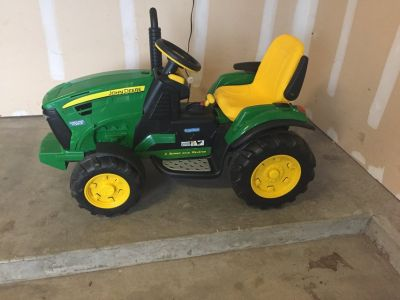John Deere 2-speed motorized tractor