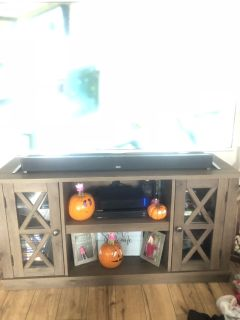 Tv stand for 55 -60 tv
