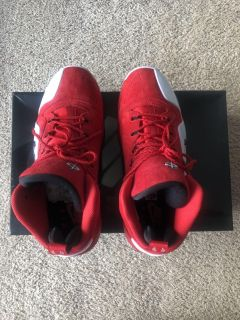 New Nike Men s Shoes size 9.5 red color