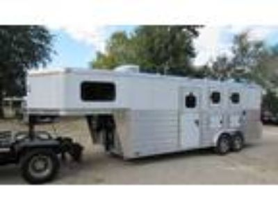 2019 Trailers USA TLT 3 Horse Warmblood Deluxe GN 3 horses