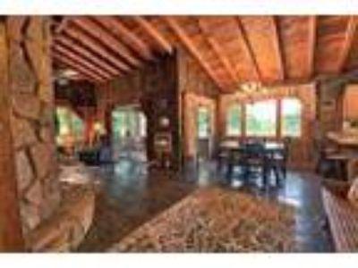 Sylvan Lake Dream! - RealBiz360 Virtual Tour