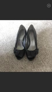 Marc fisher high heels size 6