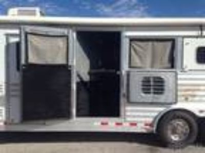 living quarter trailer with an 8 conversion