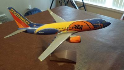 NBASouthwest Airlines model plane