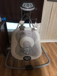 Unisex baby swing, excellent condition