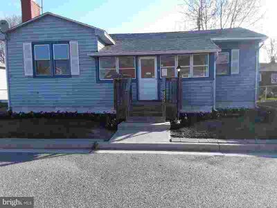 323 Green St Penns Grove, Great super cute Three BR rancher in