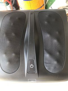 The Sharper Image MSG-F110B Deep Kneading Shiatsu Foot Massager. Perfect condition. Used twice. New condition