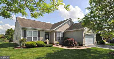 42 Fitzgerald Ln COLUMBUS Two BR, A great location in the Four