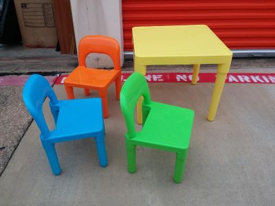 Plastic child table with chairs