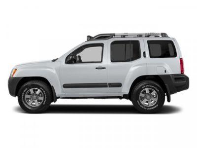 2014 Nissan Xterra X (Glacier White)