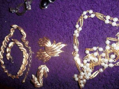 Jewelry   / Vintage/ Signature Pieces