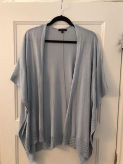 Stunning and super soft open cardigan. Worn only once. Size M/L