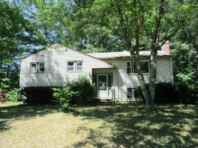 3 Bed 1.5 Bath Foreclosure Property in Townsend, MA 01469 - Chestnut Dr