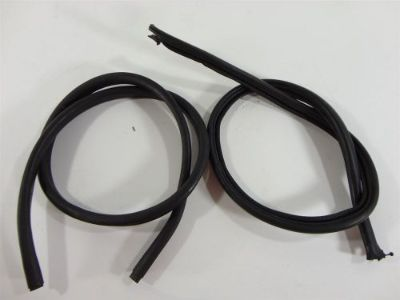 Sell 99 A4 Engine Bay Hood Rubber Seal Set Weatherstrip motorcycle in North Fort Myers, Florida, United States, for US $18.59