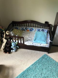 Toddler bed like new