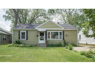 2 Bed 1 Bath Foreclosure Property in Eastlake, OH 44095 - E 332nd St