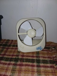 Small Personal fan takes batteries or plugs in don't have 6volt cord not included