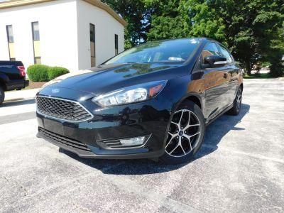 2018 Ford Focus SEL (Shadow Black)