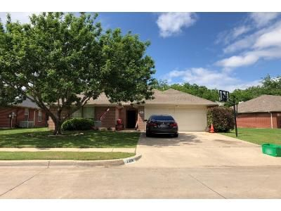 Preforeclosure Property in Burleson, TX 76028 - Lisa St
