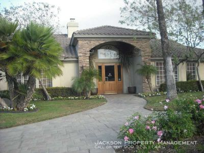 3 bedroom in Canyon Crest
