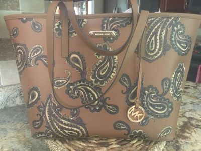 Michael Kors Emry Large Tote new w/tags