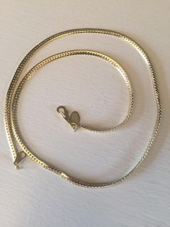 """18"""" American Showcase necklace new condition"""