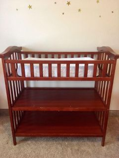 Changing table with changing pad