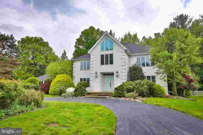 1868 Autumn Leaf Ln HUNTINGDON VALLEY Four BR, Huge colonial