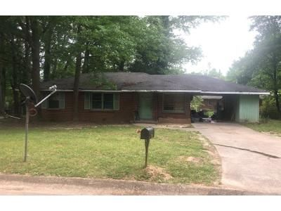 3 Bed 1 Bath Preforeclosure Property in Forest Park, GA 30297 - Springview Dr